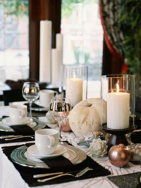 Thanksgiving table setting idea 4_Bobbi Fabian via HGTV