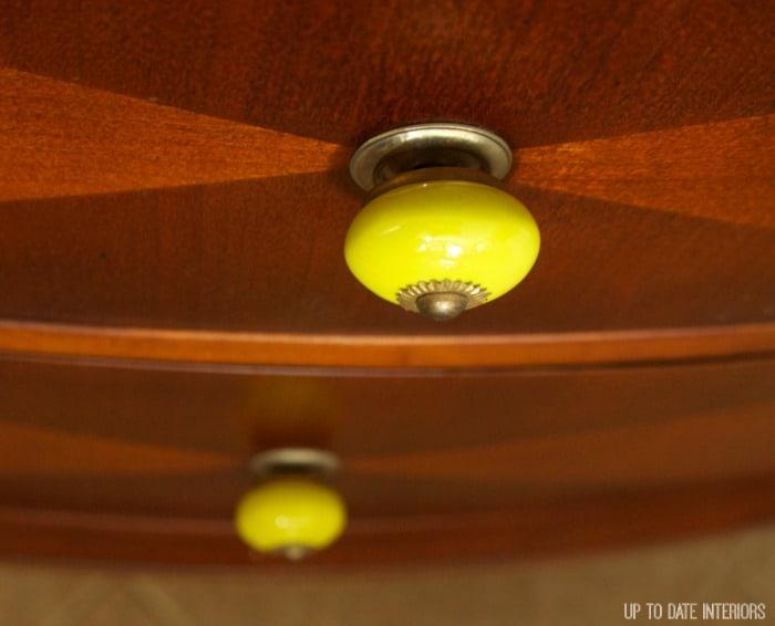 buffet-knobs-close-up