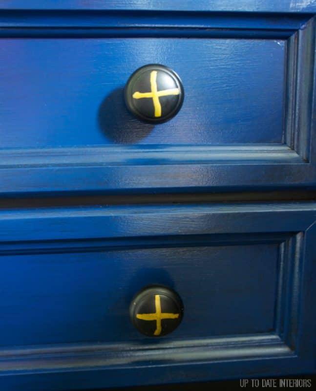 dresser-knobs