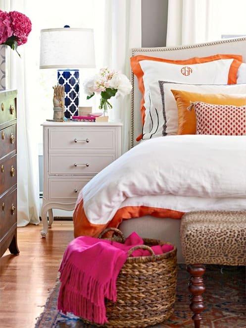 white-bedding-colorful-trim