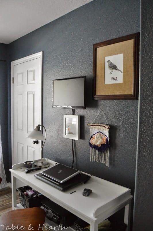 desk-area