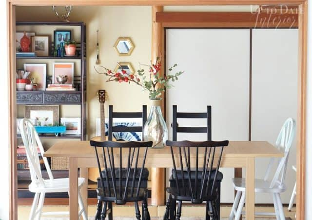 small space decorating ideas, use an extendable table in a small dining area
