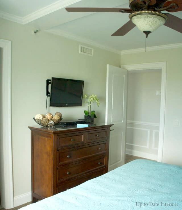 small-spaces-bedroom-tv