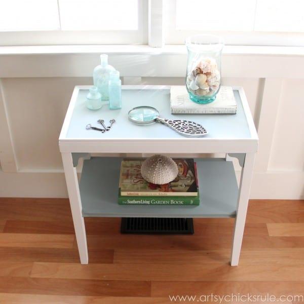 Two-Tone-Side-Table-Makeover-Themed-Furniture-Tour-artsychicksrule.com-milkpaint-makeover-diy-7-600x600
