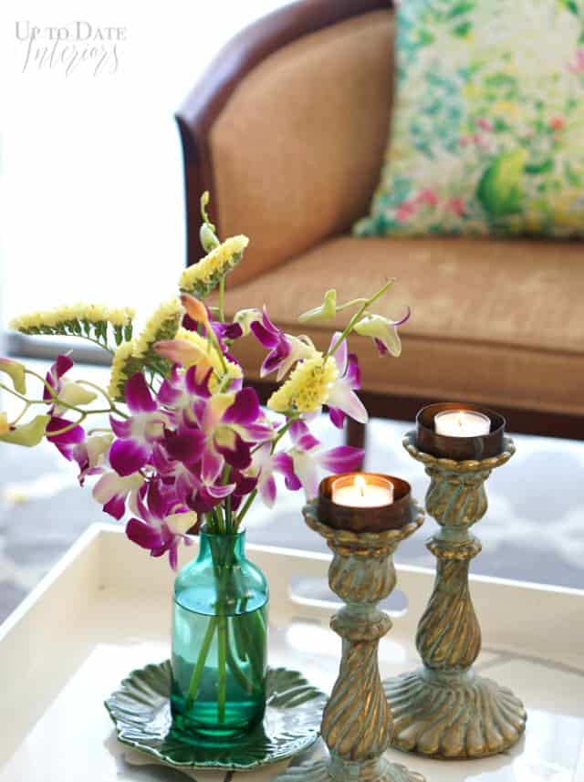 spring coffee table decor