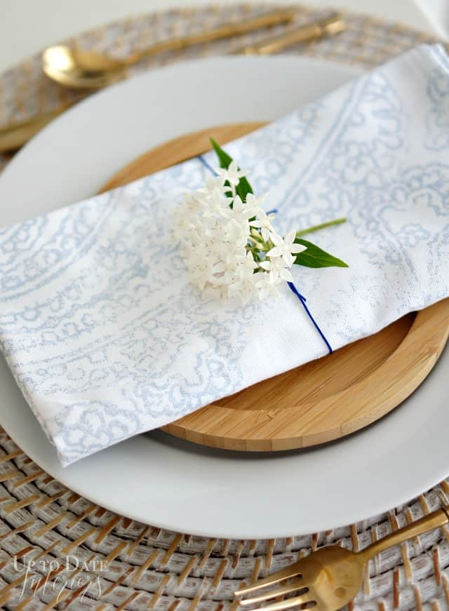spring table setting with flowers