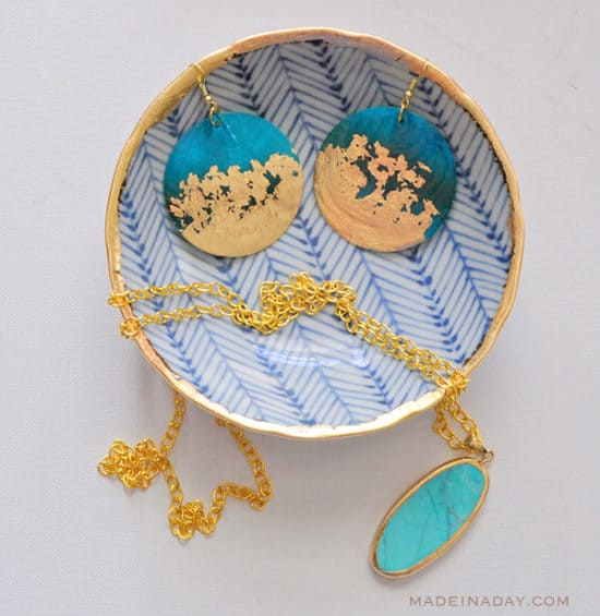 DIY-Gold-Gilded-Earrings-Jewelry-Bowl-Tutorial-madeinaday.com_-550x565