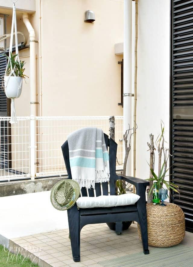 rental patio decor