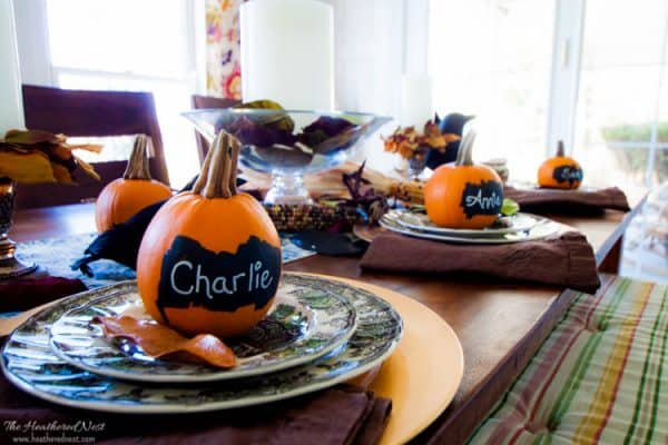 one-minute-decorating-fall-chalkboard-pumpkin-placecards-heathered-nest-6