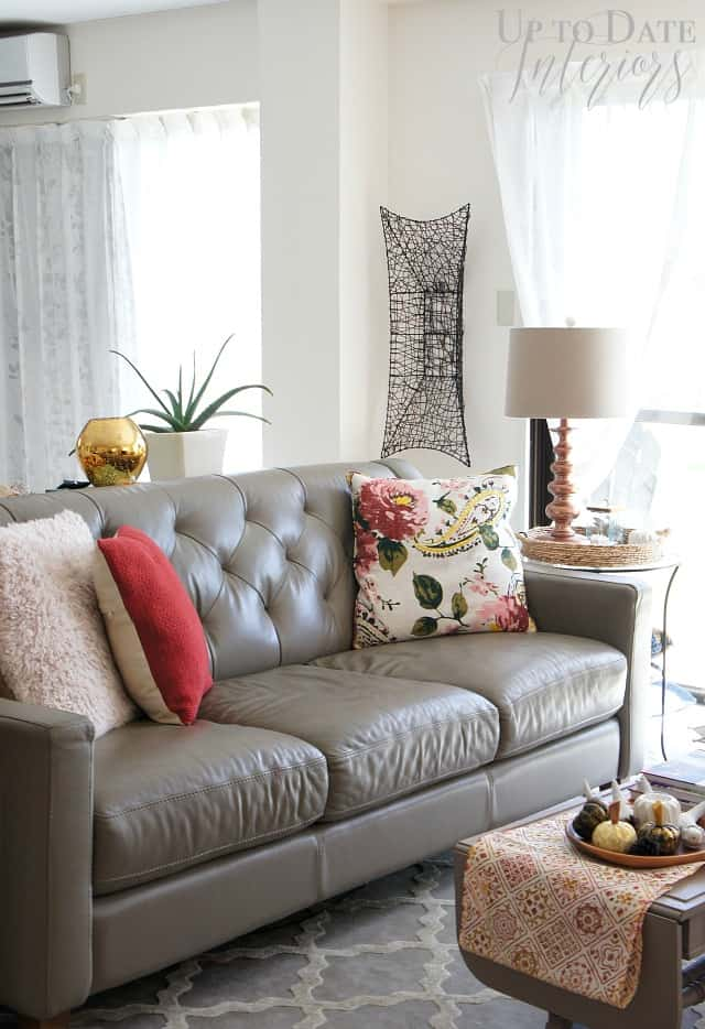 fall-living-room-pink-cranberry