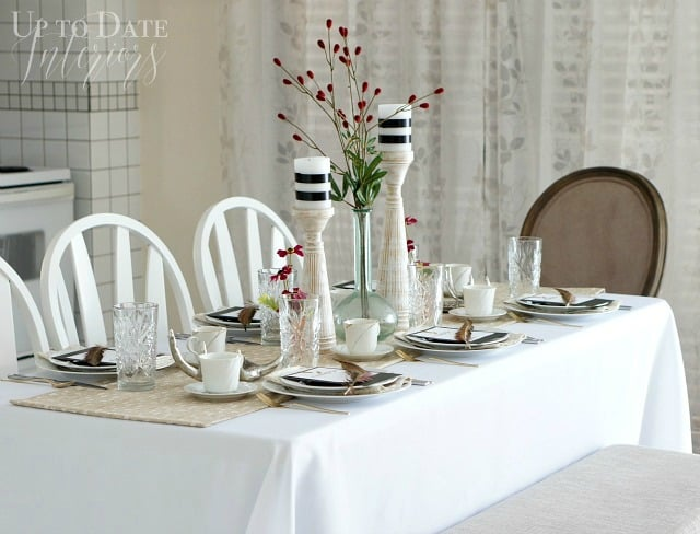 A Sweet and Simple Thanksgiving Table