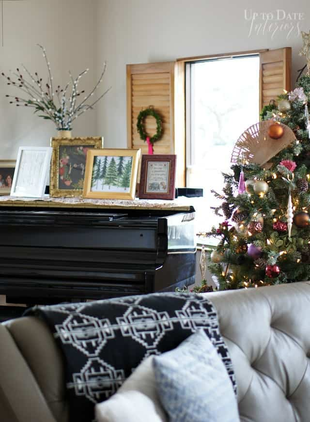 christmas living room in a traditional japanese home