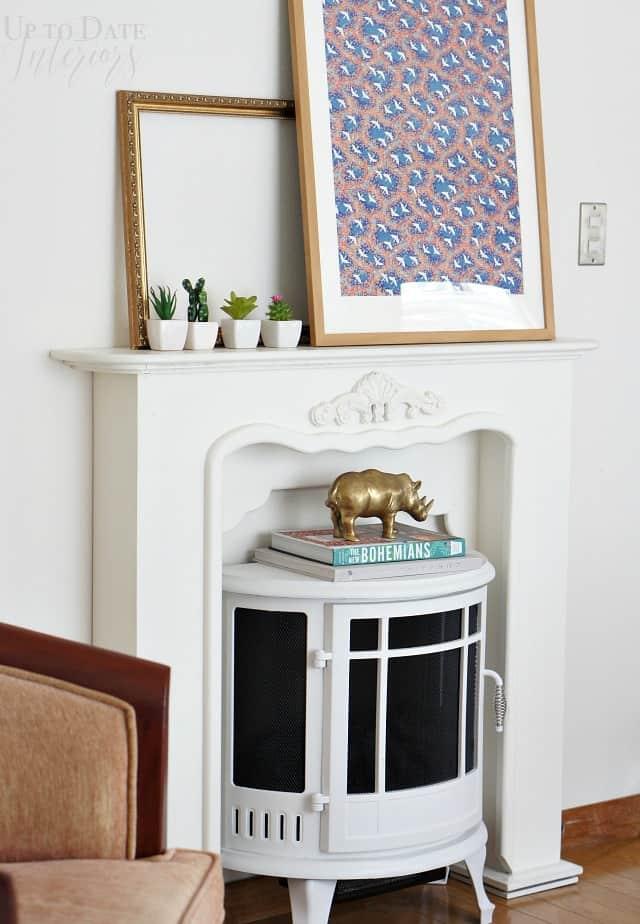 minimalist decor for mantle renter friendly