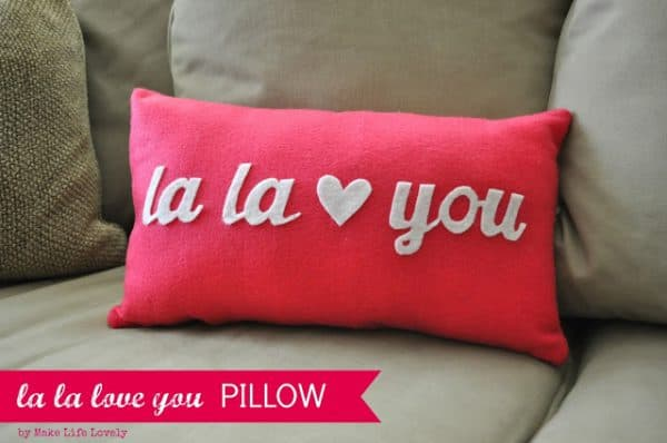 la la love you Pillow, Make Life Lovely