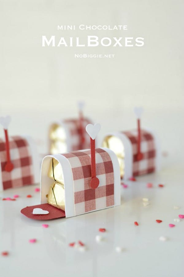 mini-chocolate-mailboxes-for-a-Valentines-Day-treat-Video-on-NoBiggie.net_