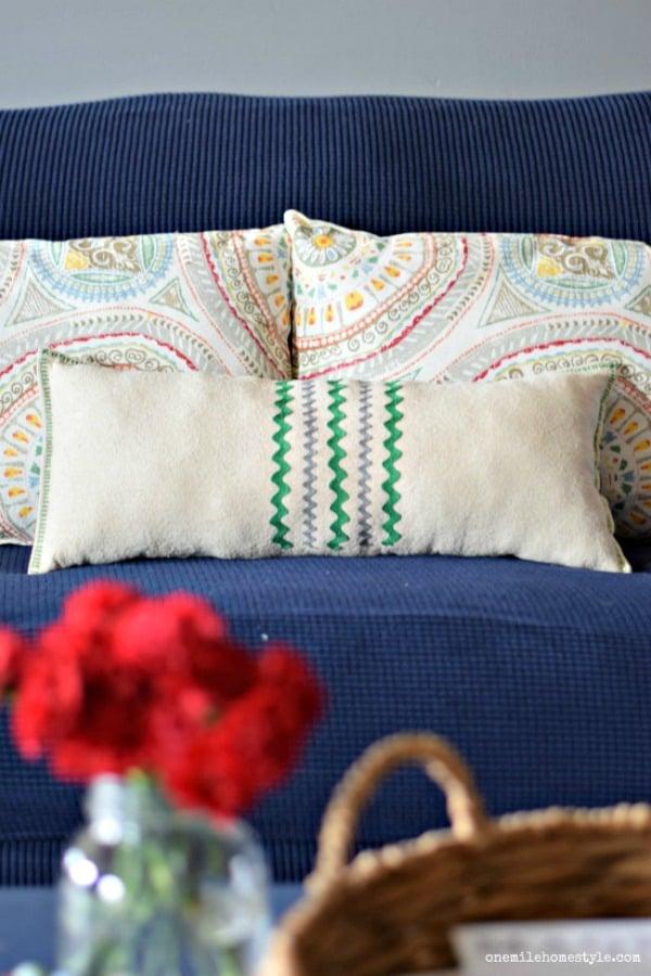 Easy DIY Drop Cloth Pillow (1)
