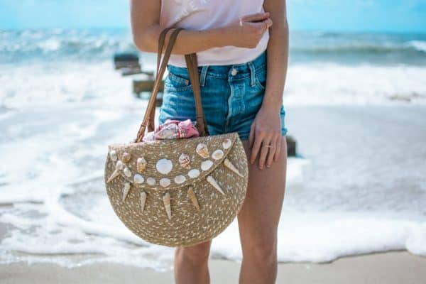 beach purse DIY with two placemats