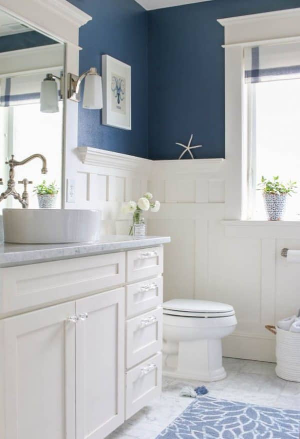 Navy-and-white-bathroom